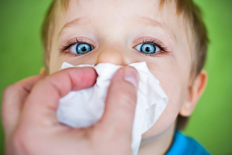 What You Should and Shouldn't Do When Your Kid Catches a Cold
