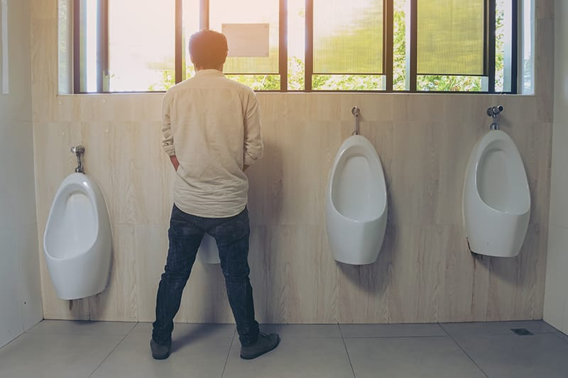 5 Pee Problems That Point to an Enlarged Prostate