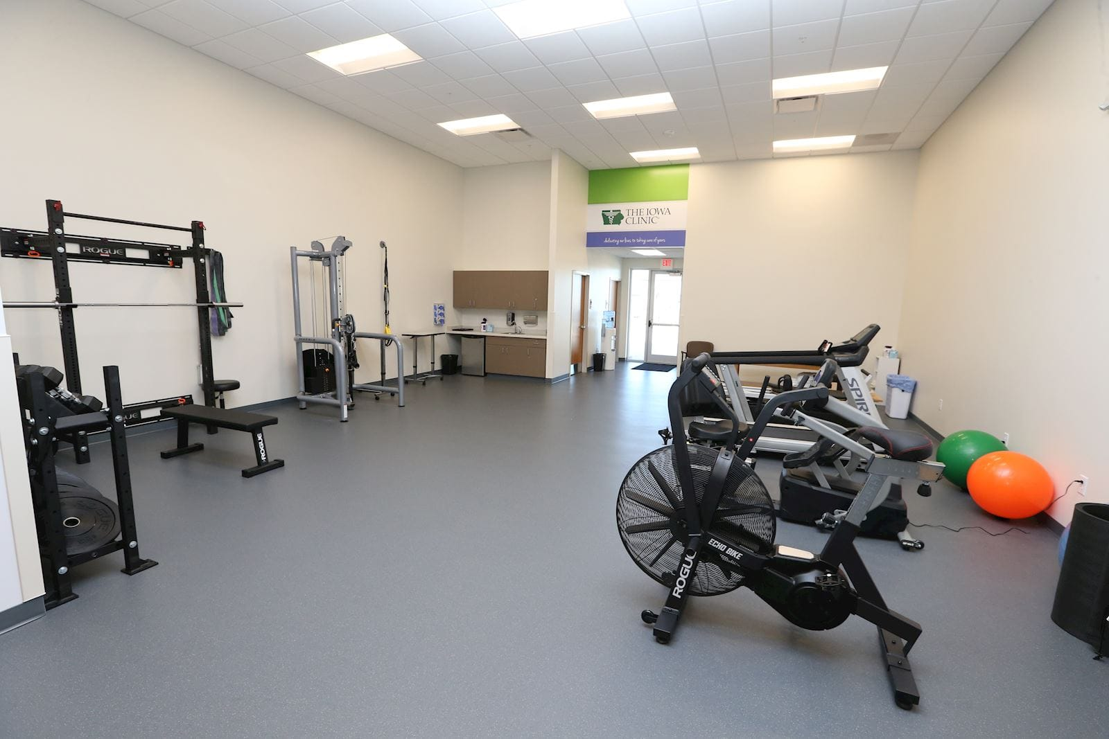 Waukee Alice's Road Physical Therapy Room